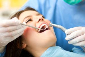Пломбирование зубов в стоматологии «Medivel» с недорогими ценами